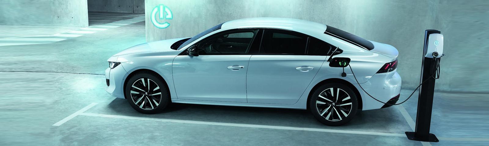 Peugeot 508 Hybrid y 508 SW Hybrid, el híbrido enchufable más eficiente